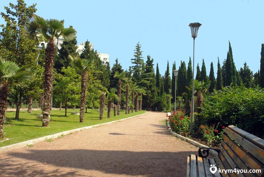 Достопримечательности Алушты Приморский парк в Алуште