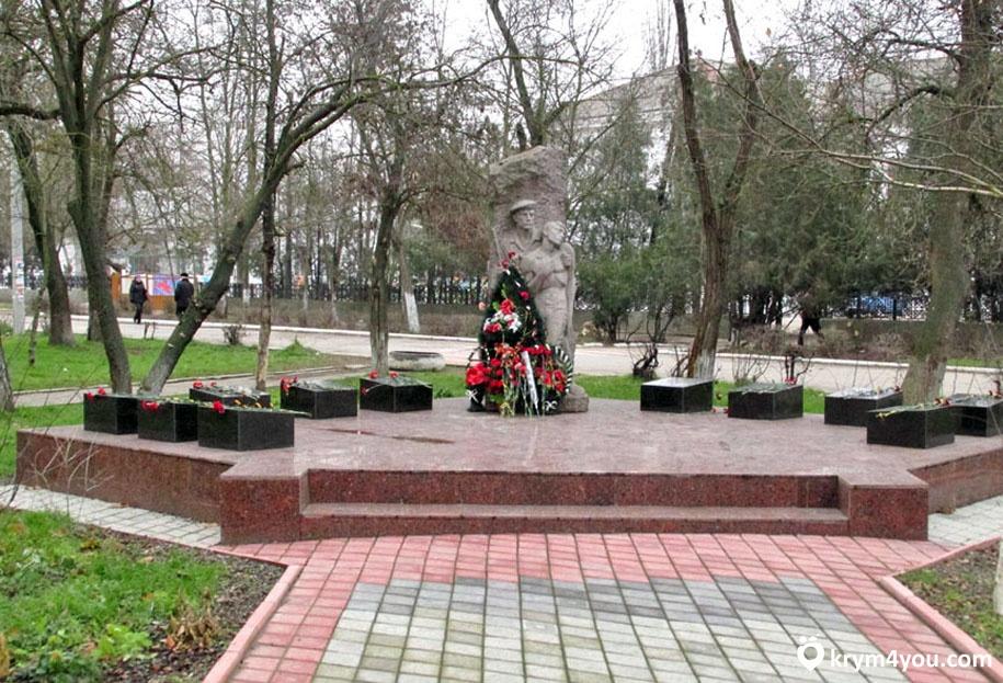 своим кратко о памятниках и фото г джанкоя всегда