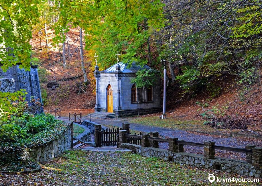 Достопримечательности Алушты Косьмо - Дамиановский монастырь