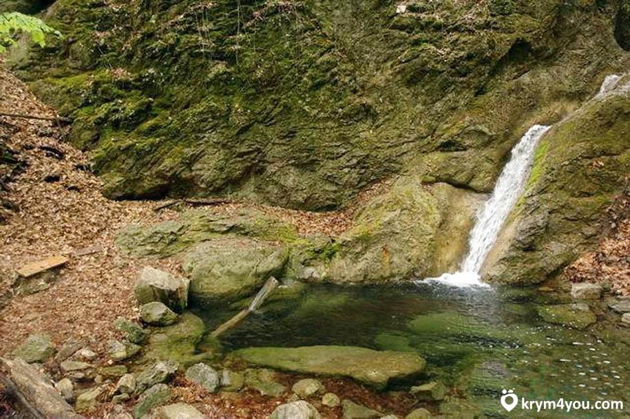 Водопад Трёх Святителей Крым фото 1