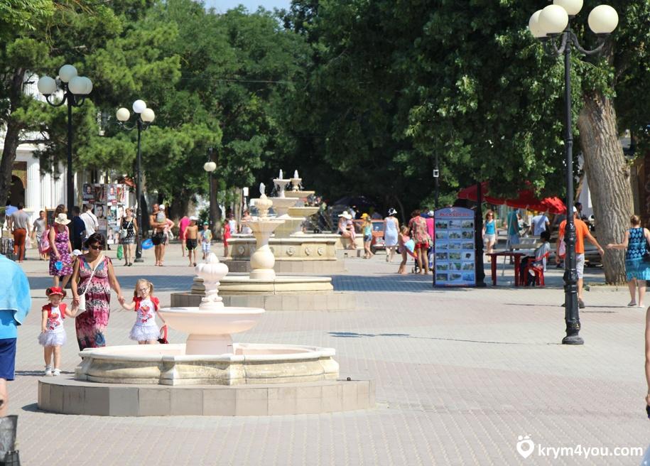 Набережная имени Горького в Евпатории Крым фото 4