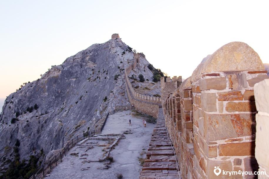 Генуэзская крепость в Судаке 2
