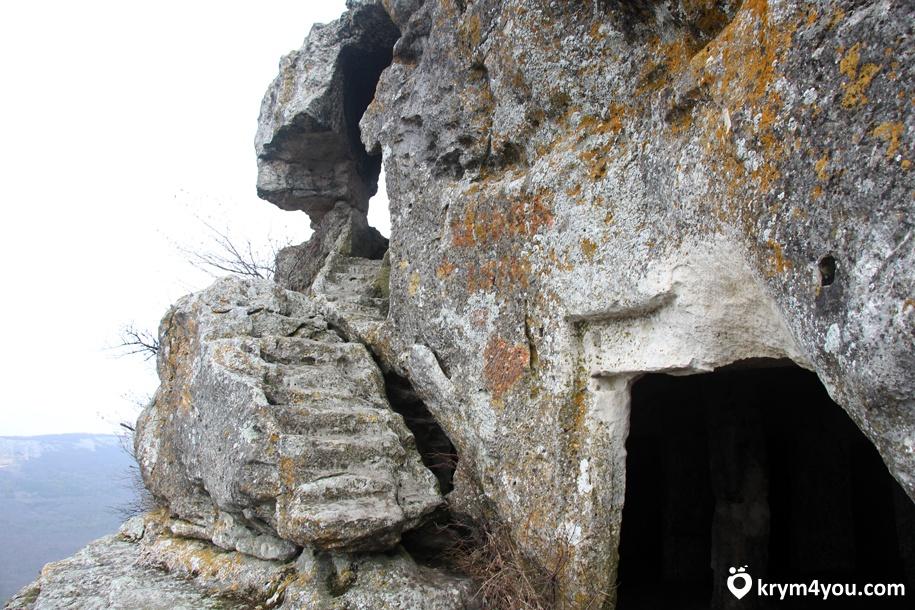 Пещерный город Мангуп-Кале 1