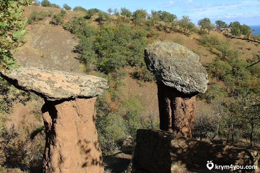 Достопримечательности Алушты Каменные грибы долины Сатера