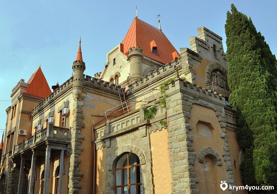 Достопримечательности Партенита Дворец княгини Гагариной