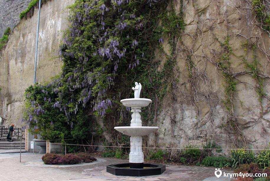 Свято-Успенский монастырь в Бахчисарае 2
