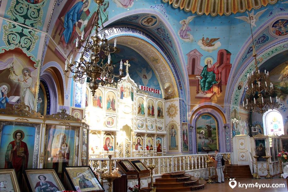 Храм Святого Илии в Саках 2