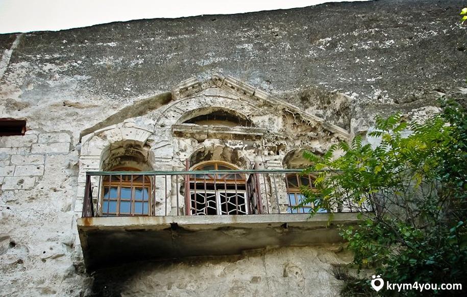 Инкерманский пещерный монастырь 3