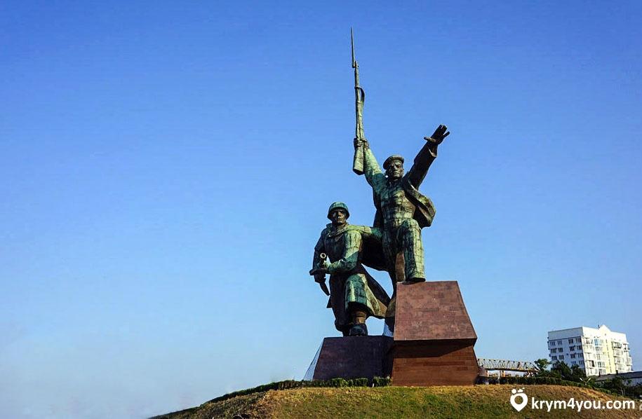 Памятник Солдату и Матросу Крым Севастополь