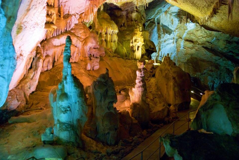 Симферополь Крым фото мраморная пещера