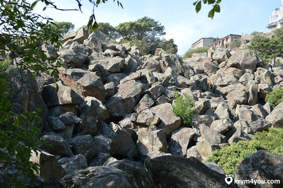 Воронцовский парк. Большой каменный хаос