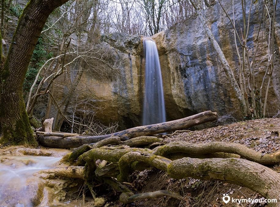Водопад Козырёк. Крым 3