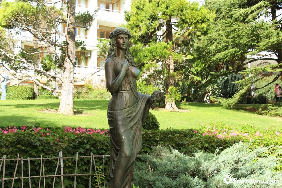 Парк Айвазовского Богиня Флоры