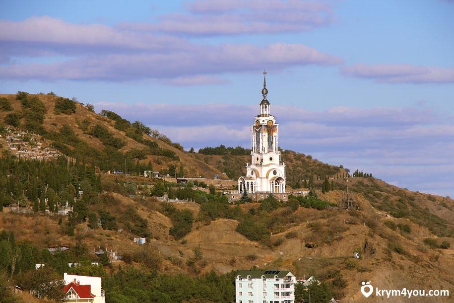 Храм-маяк Святого Николая Чудотворца вечер
