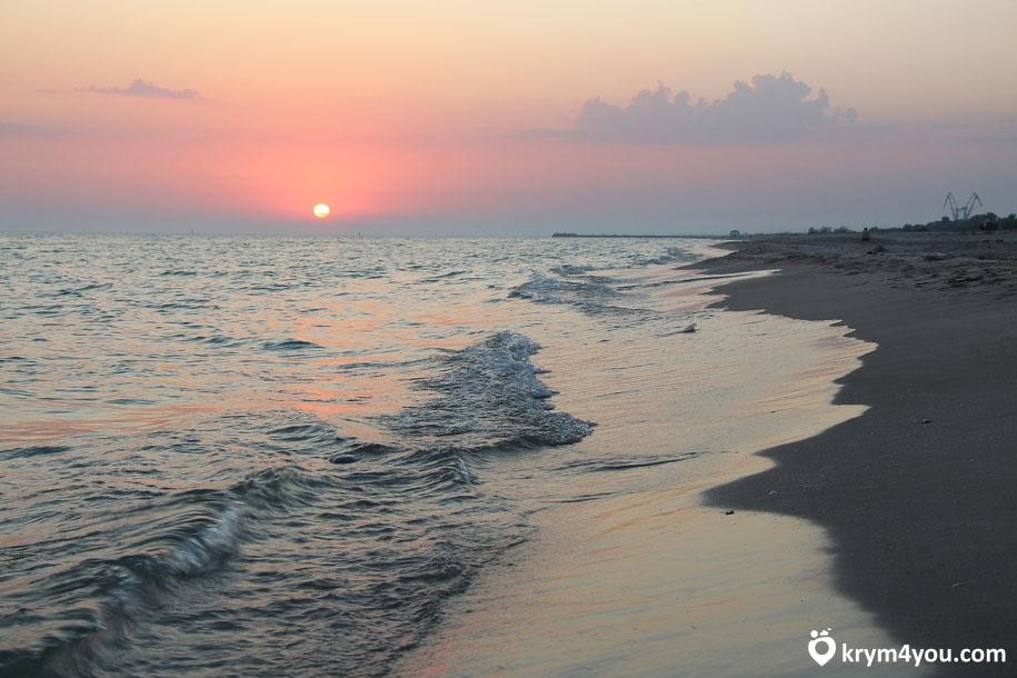 поселок Мирный Крым море
