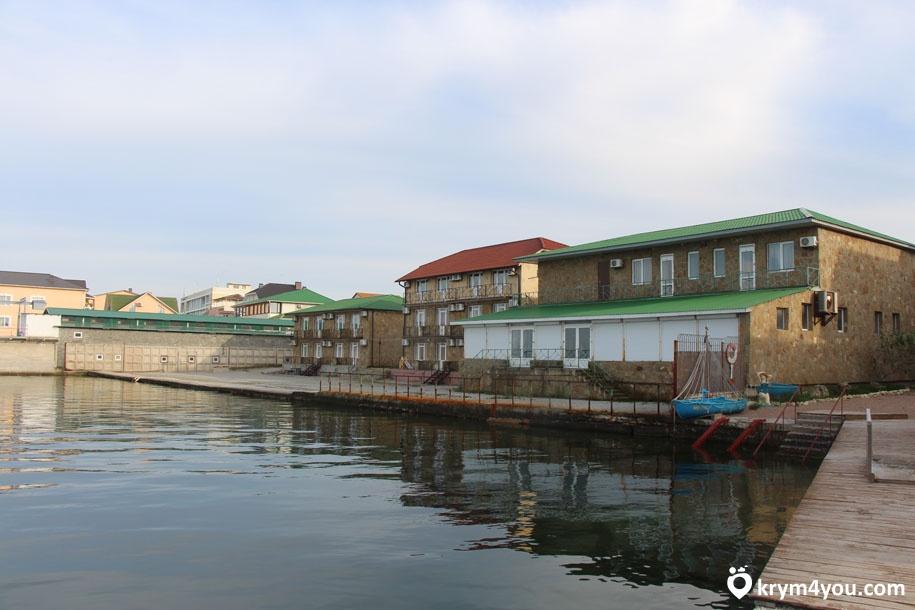 западный берег Крыма поселок Мирный