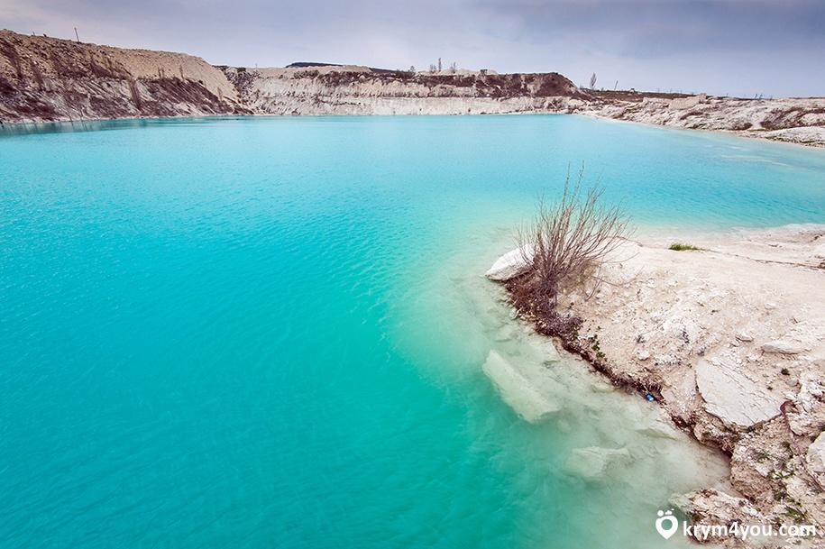 Крым Марсианское озеро или Мраморное озеро